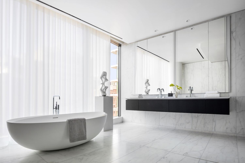 Statuario Caldia® riveste i bagni del 520 West 28th Street